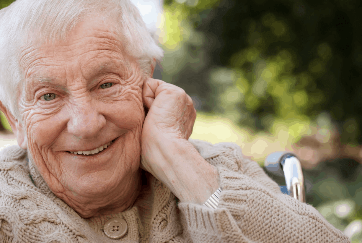 Add These Fun Activities to Your Idea File for Seniors | Qualicare Calgary