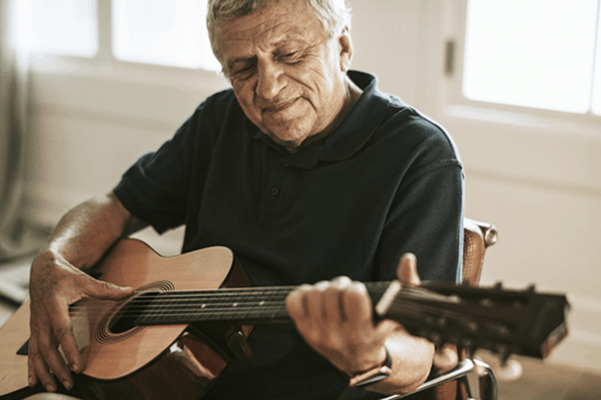 Exploring the Benefits of Music Therapy for Older Adults | Qualicare Newmarket